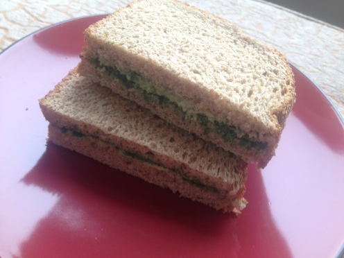 Daily Vegan Lunch for 10 February, 2013: Avocado and Mint Chutney Sandwich