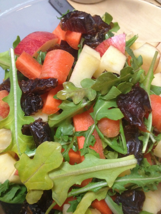 apple, carrot, arugula, and dates