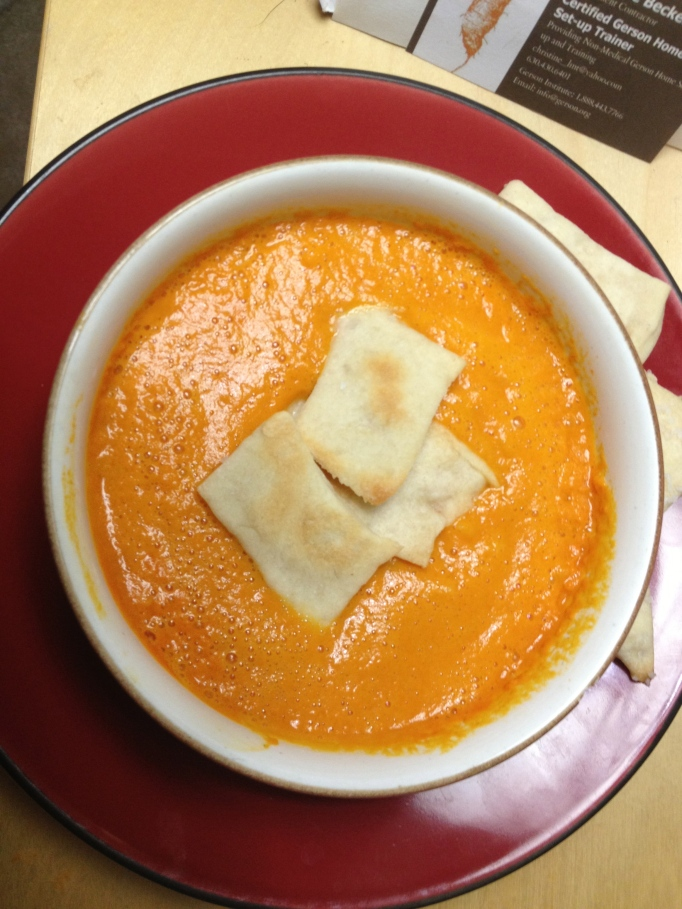 vegan carrot tomato soup