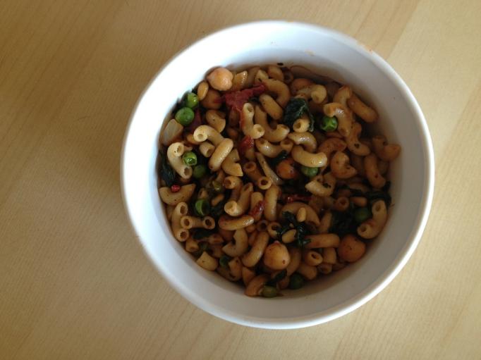 vegan mediterranean macaroni bowl