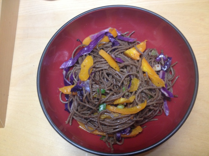 vegan bell pepper and red cabbage soba and peanut sauce