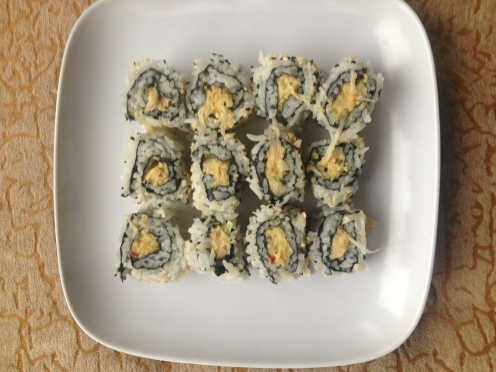 Daily Vegan Lunch for 15 October, 2013: Jackfruit Crab-meat Salad Sushi Rolls