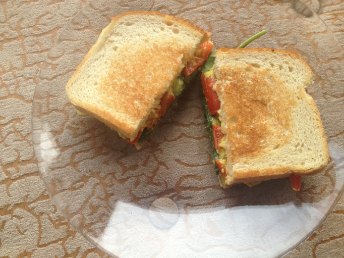 grilled pepper and spinach cheez sandwich
