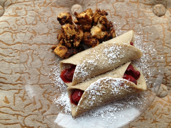 Daily Vegan Lunch for 30 December, 2013: Strawberry Crepes and Chewy Tofu Bacon